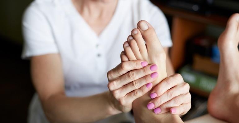 Foot Massage, B2B Massage, Avalon Spa and Massage Ahmedabad